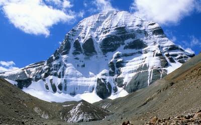 Lhasa, Everest Base Camp, Mount Kailash & Lake Mansarovar Tour